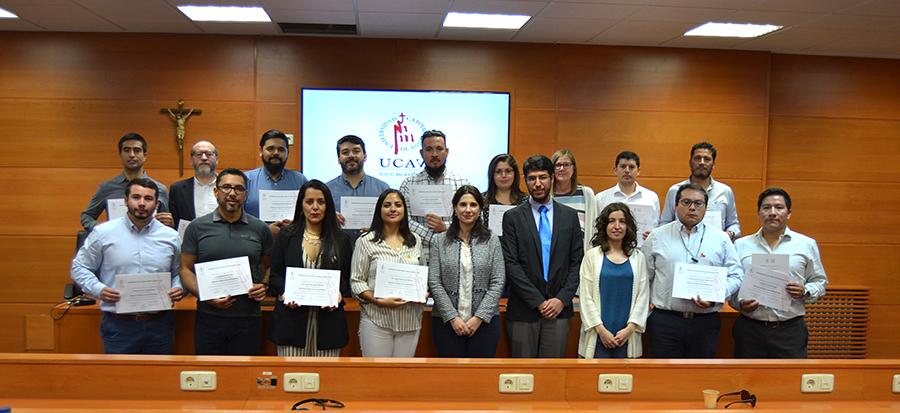 La UCAV imparte un seminario de negocio a alumnos de la Universidad Santo Tomás de Chile