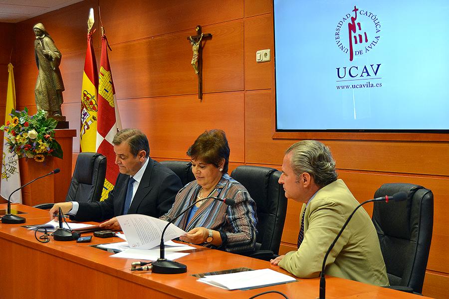 La UCAV firma un convenio de colaboración con la Fundación Dom