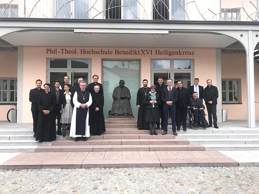 Una profesora de la UCAV, la primera de una universidad española miembro del Nuevo Círculo de discípulos Joseph Ratzinger/Benedicto XVI