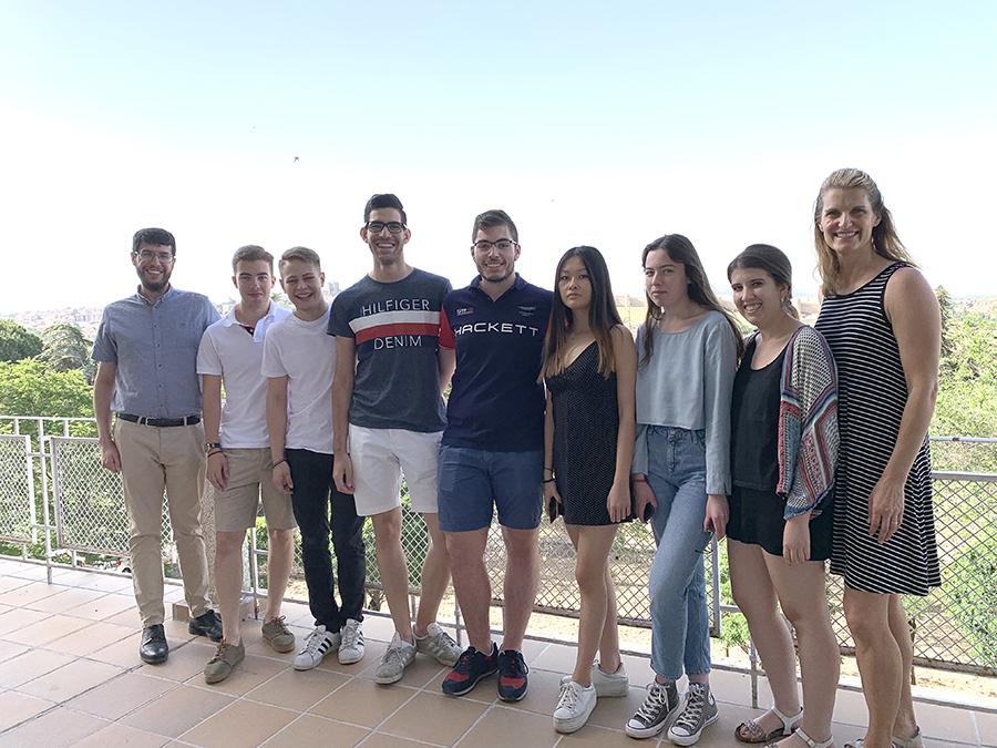 La profesora de la universidad americana Lubbock Christian imparte a los alumnos de la UCAV Marketing management
