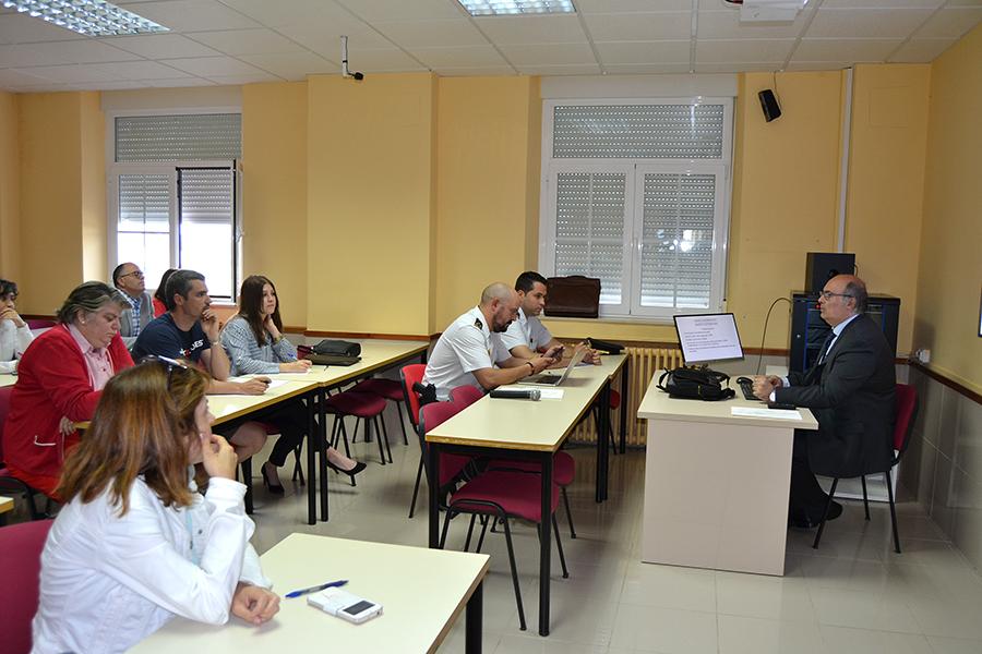 La UCAV imparte un curso de iniciación a la extranjería operativa