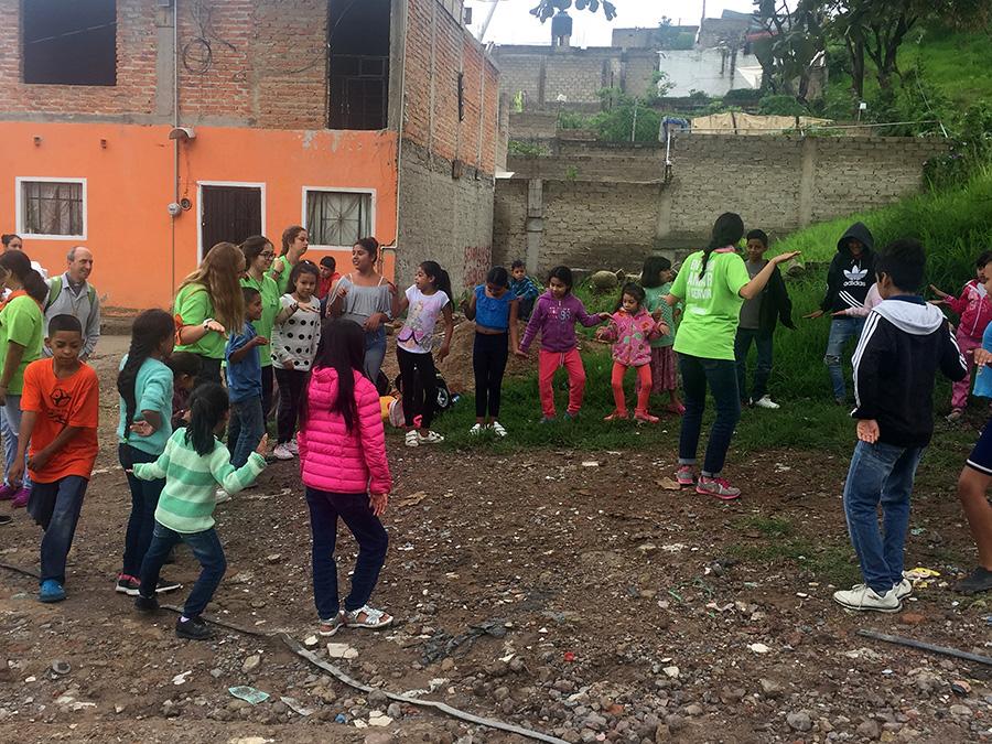 El grupo de misiones de la UCAV viaja a México para realizar una labor humanitaria integral