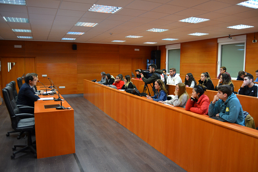 Los alumnos de Derecho de la UCAV aprenden la práctica de la profesión gracias al Aula de Práctica Jurídica