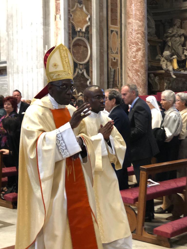 La Rectora de la UCAV participa en el 40 aniversario de la consagración episcopal del cardenal Robert Sarah
