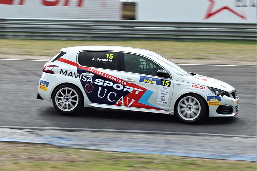 La UCAV debuta en el CET-RACE