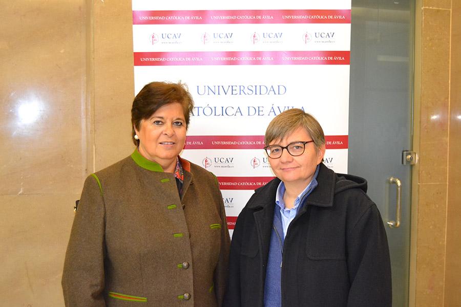 María del Rosario Sáez Yuguero, rectora de la Universidad Católica de Ávila, y Sor Elena, directora Pedagógica del Colegio Milagrosa-Las Nieves