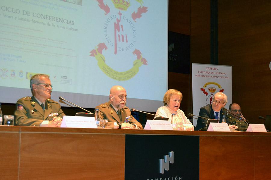 """Las vicisitudes de las milicias provinciales cierran el ciclo de conferencias """"Héroes y batallas"""" de la UCAV"""