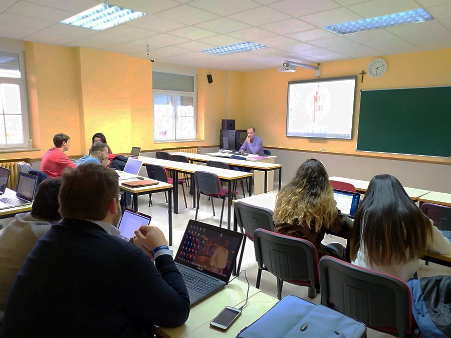 Los alumnos del Grado en Derecho de la UCAV disfrutan de un nuevo Taller Práctico