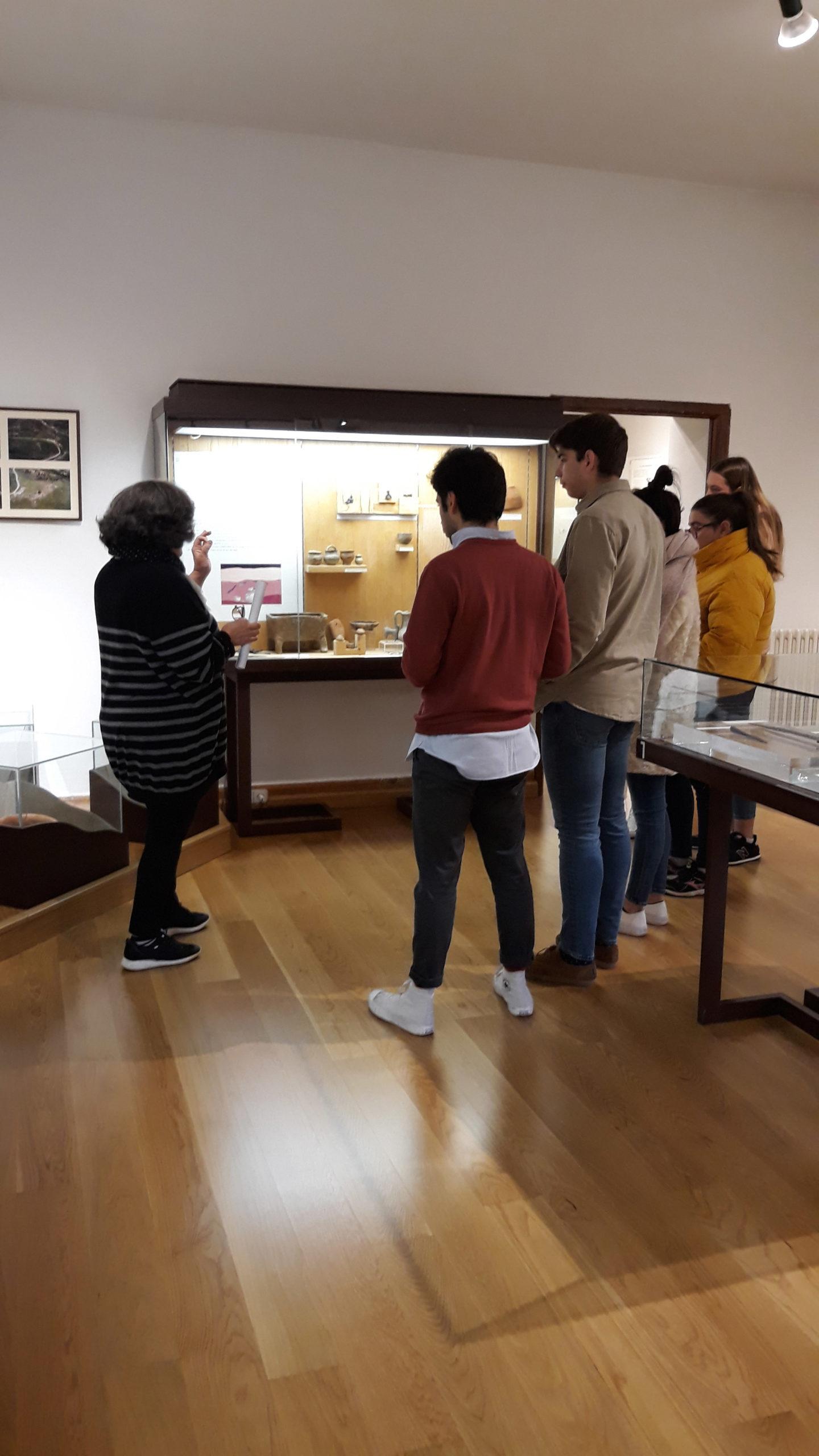Alumnos de la UCAV visita el Archivo General y el Museo de Ávila