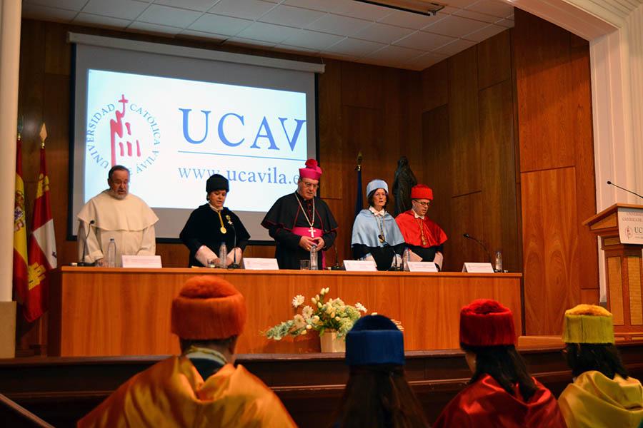 La UCAV reconoce y premia a sus alumnos, profesores y personal no docente en el Acto Académico de Santo Tomás de Aquino