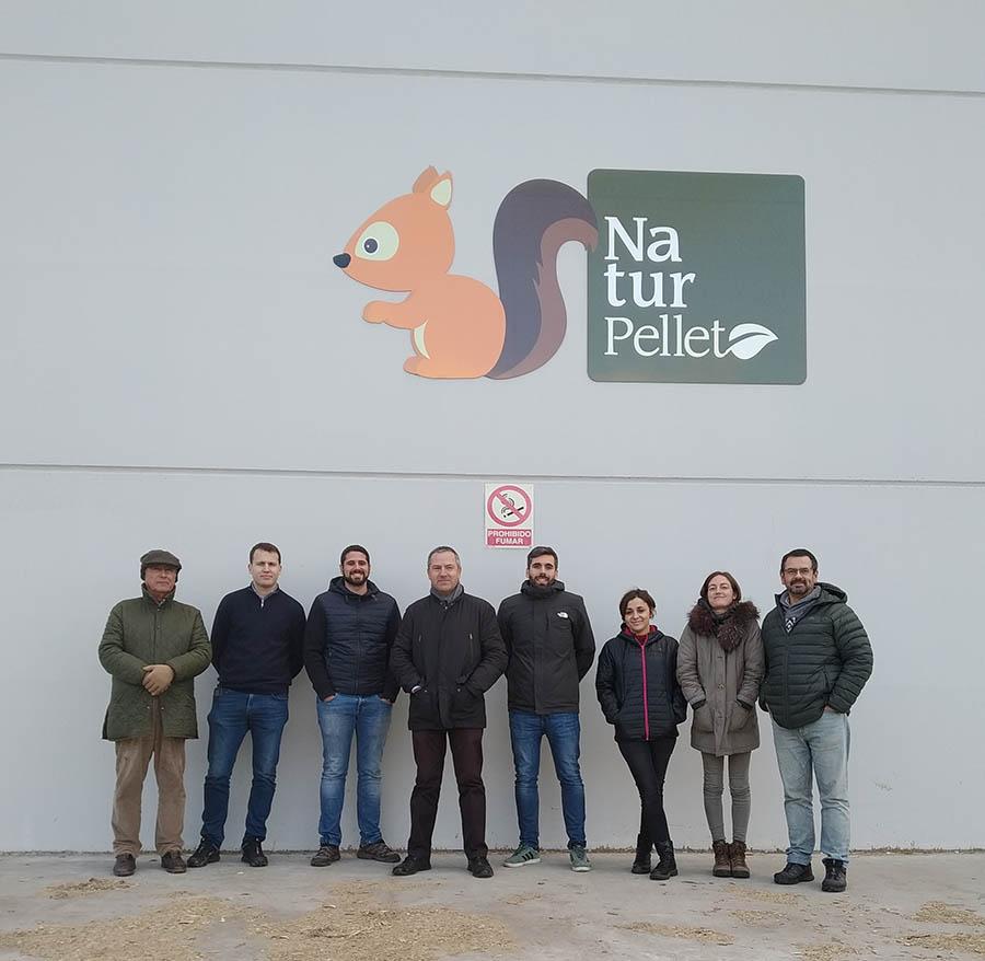 Alumnos del Máster de Ingeniería de Montes de la UCAV visitan NaturPellet