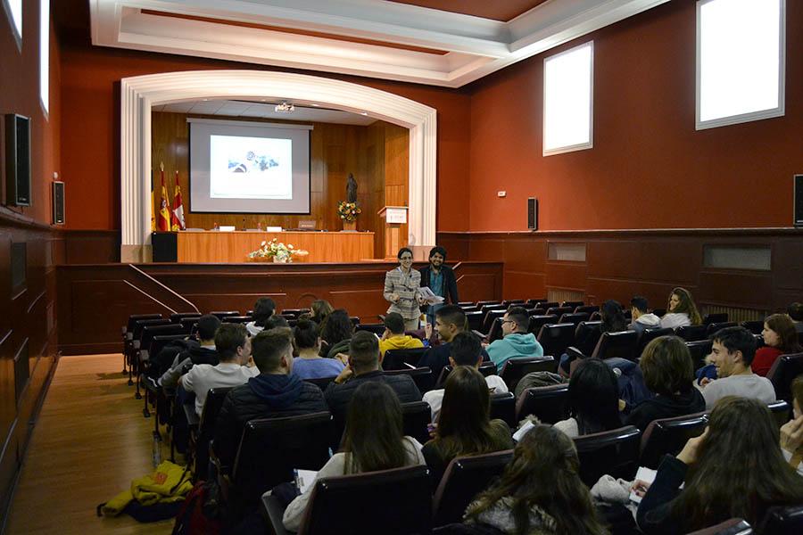 La UCAV acoge la conferencia 'Concéntrate; potencia tu productividad'