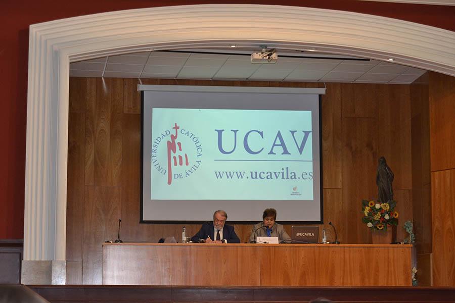 """La UCAV acoge el seminario de formación """"Educación, Ciencia y Fe"""""""