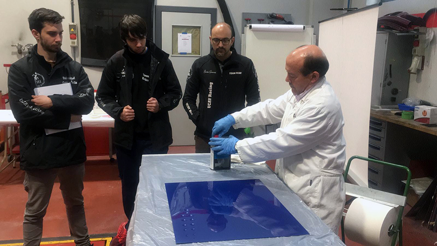 Alumnos de la UCAV realizan un curso de Materiales Compuestos en Vehículos de la mano de Cesvimap