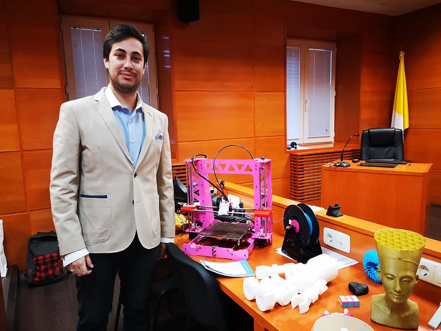 La impresora 3D mejorada que plantea un Trabajo de Fin de Grado de la UCAV
