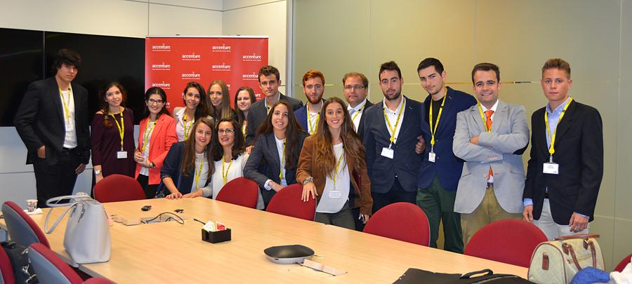 La UCAV, la universidad de España con mayor probabilidad de encontrar trabajo para los alumnos de ADE y Derecho