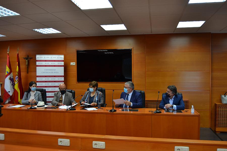 El Centro de Formación e Investigación en Gestión de la Seguridad de la UCAV firma nuevos convenios de colaboración