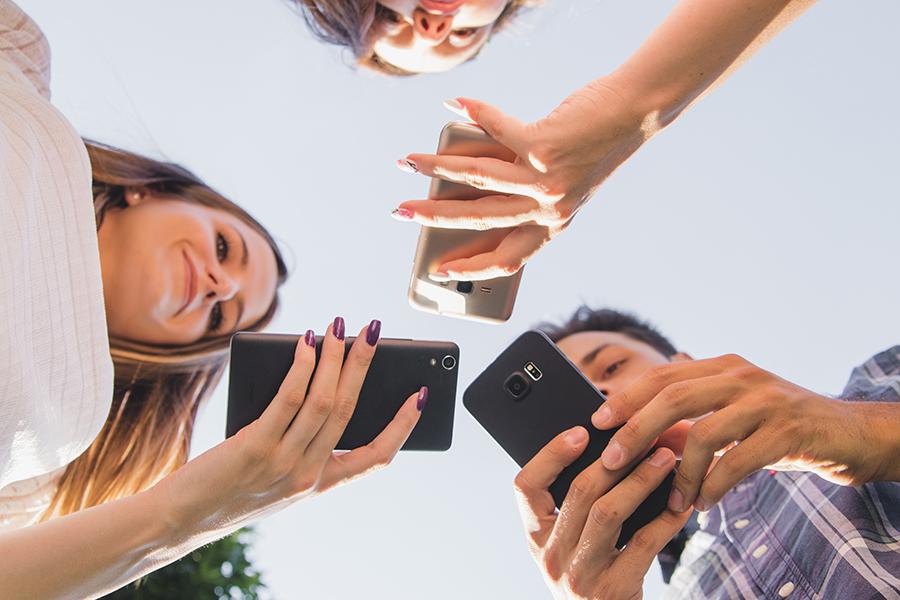 Baja autoestima, depresión, ansiedad o trastornos alimentarios, consecuencias del mal uso de las redes sociales