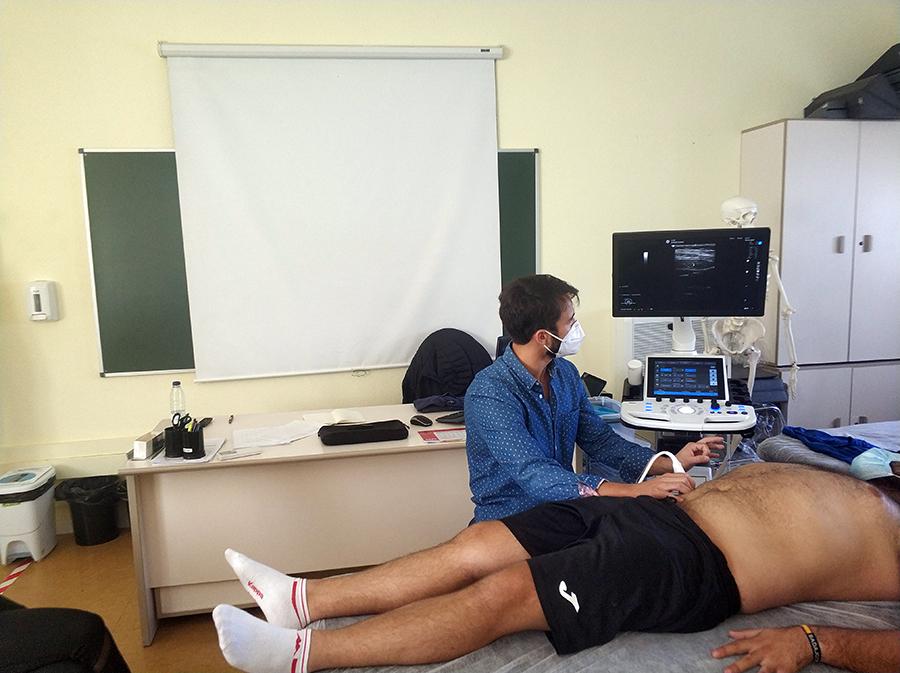 La UCAV imparte un seminario de terapia manual en cintura pélvica del Máster Universitario en Terapia Manual del Sistema Musculoesquelético