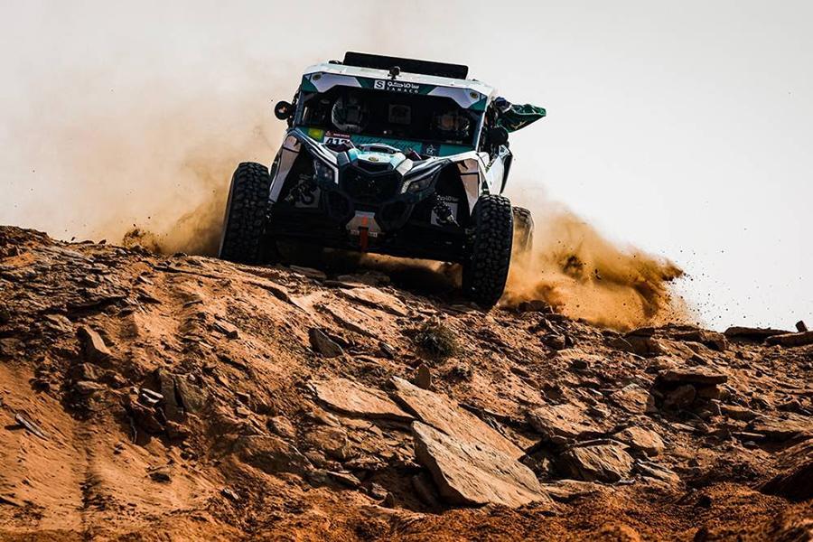 El alumno del UCAV Racing Oriol Vidal y Saleh Alsaif se recomponen en la etapa diez del Dakar