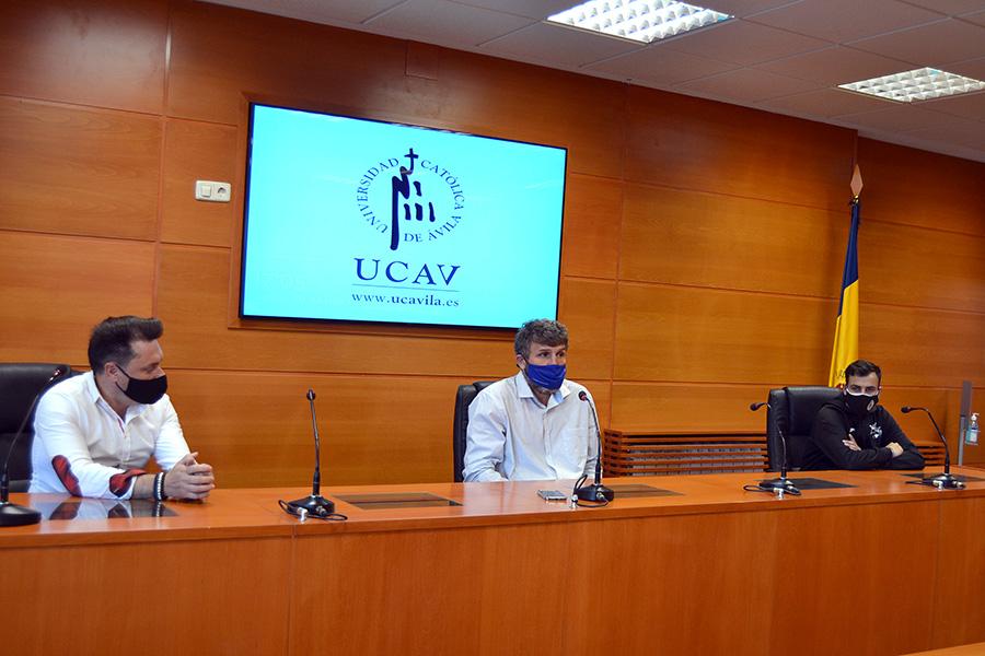 La UCAV potencia la formación entre los técnicos deportivos del Club Linko