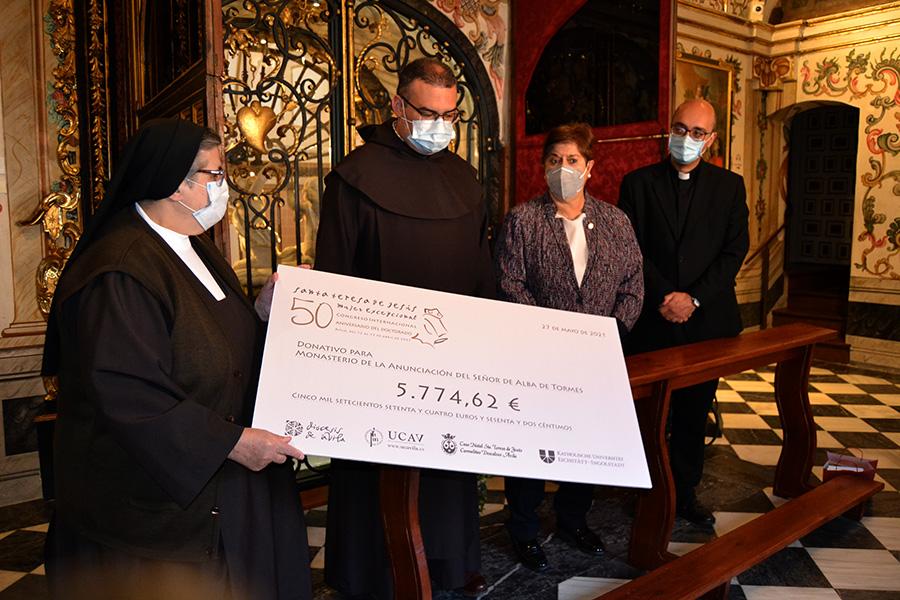 El Congreso Internacional para conmemorar los cincuenta años del Doctorado de Santa Teresa de Jesús recauda 5.774,62 euros para el Monasterio de la Anunciación del Señor de Alba de Tormes