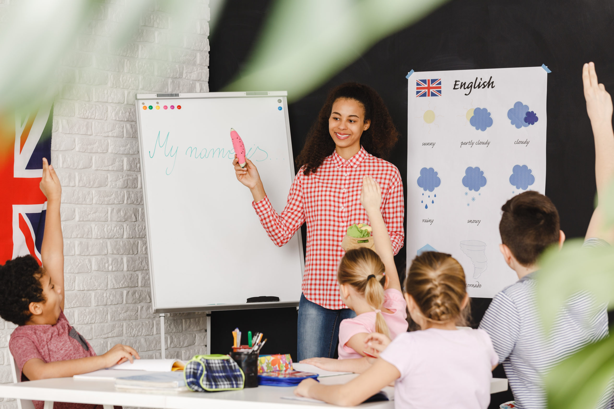 Young,Teacher,Learning,Kids,Basic,Words,In,English